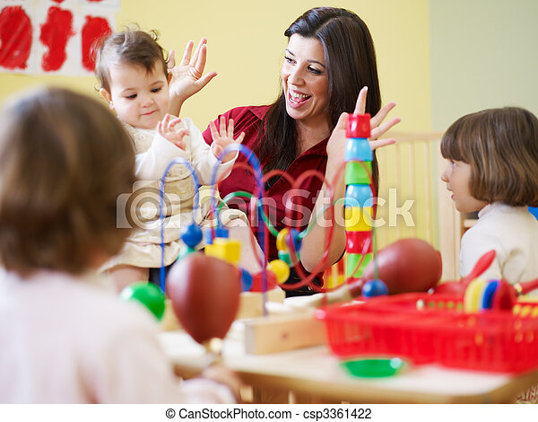 petites filles, trois, jardin enfants, enseignante - csp3361422