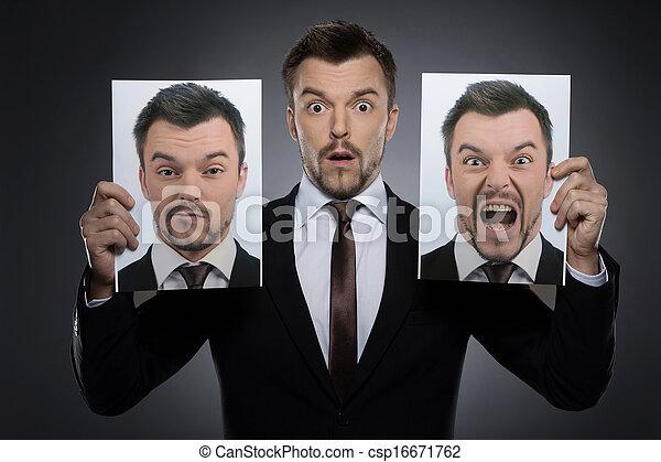 photographies, différent, lui-même, choisir, jeune, masque, isolé, formalwear, gris, quoique, deux, tenue, émotions, today., expessing, surpris, homme - csp16671762