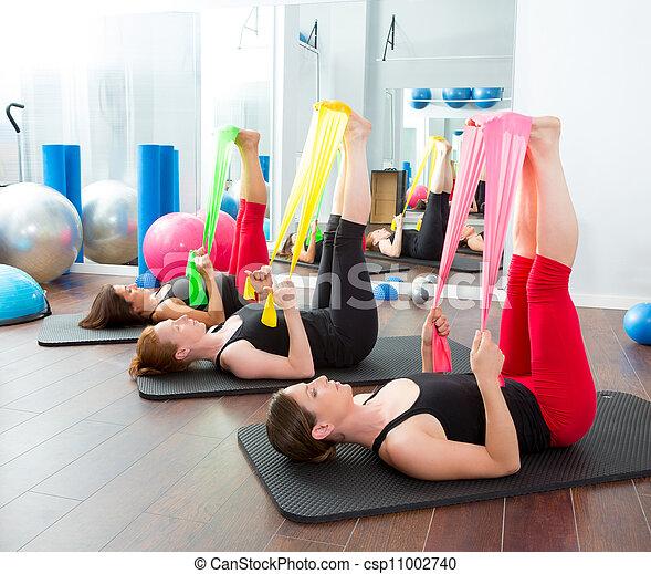 pilates, bandes, caoutchouc, aérobic, rang, femmes - csp11002740