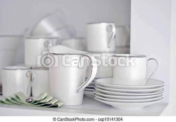 plat, porcelaine - csp10141304