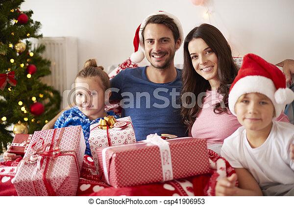 portrait, noël, famille, heureux - csp41906953