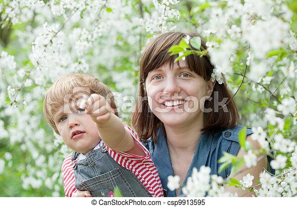 printemps, famille, heureux - csp9913595