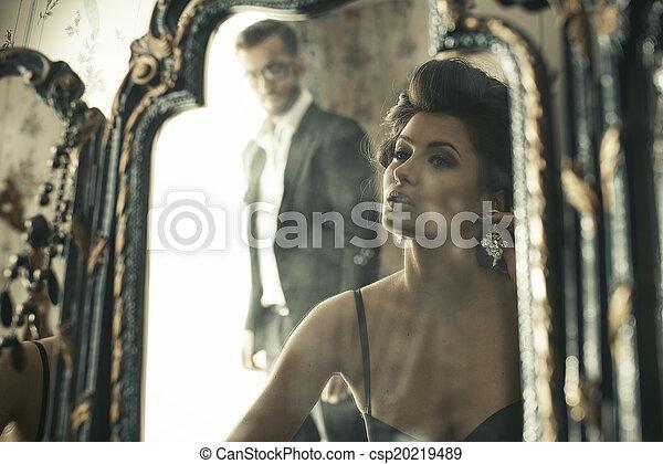 réflexion., regarder, femme, agréable, miroir - csp20219489