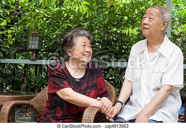 regard, couple, autre, chaque, personne agee, lovely. - csp4813953