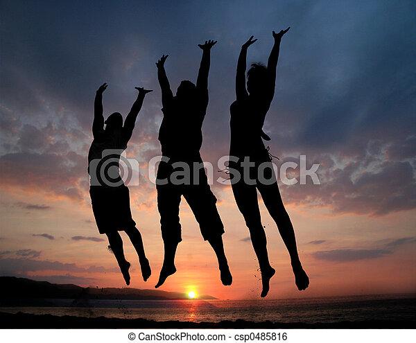 sauter, trois personnes - csp0485816