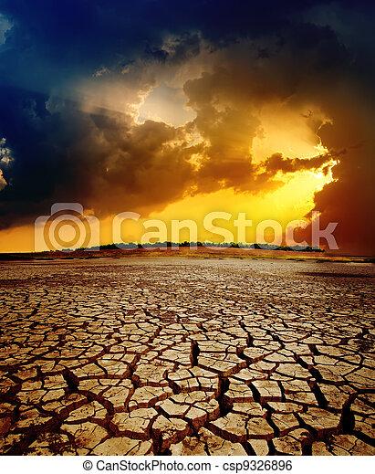 sec, sur, dramatique, coucher soleil, la terre, toqué - csp9326896