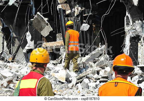 secours, bâtiment, par, désastre, décombres, recherche, après - csp8187810