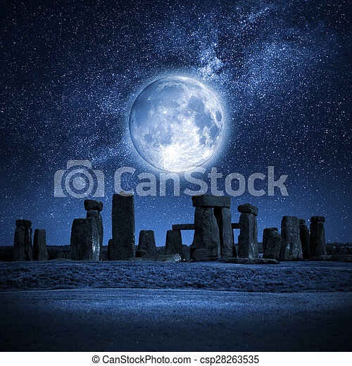 stonehenge, pleine lune - csp28263535