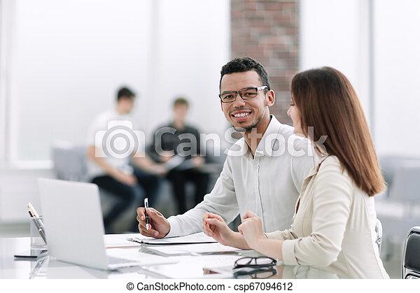 table, employés, bureau, séance - csp67094612