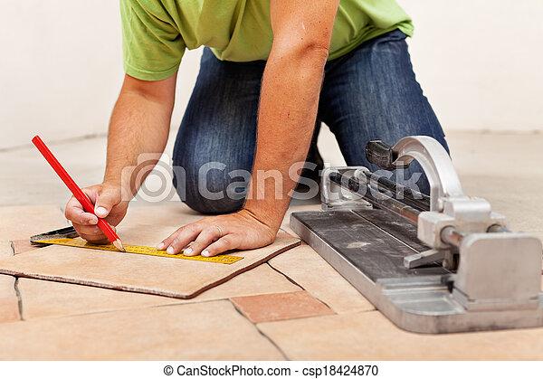 tuiles, plancher, ouvrier, céramique, pose, mains - csp18424870