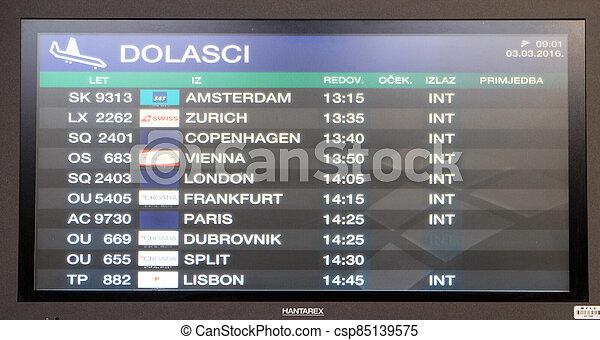 vol, aéroport, planche, zagreb - csp85139575